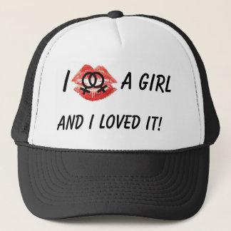 Jag kysste en flicka, svart hatt keps