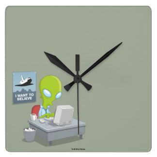 Jag önskar att tro fyrkantig klocka
