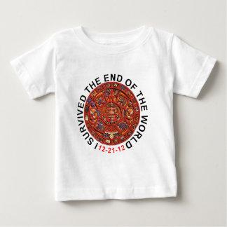 Jag överlevde avsluta av världen skjortor för tee