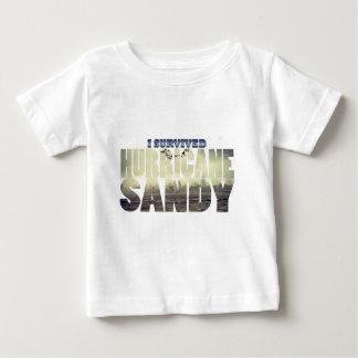 Jag överlevde den sandiga orkanen t shirts