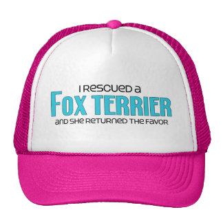 Jag räddade en foxterrier (den kvinnliga hunden) kepsar
