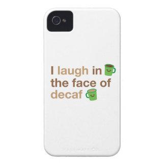 Jag skrattar i ansiktet av DECAF med gullig kaffe iPhone 4 Case-Mate Fodral