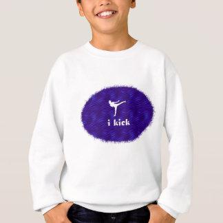 jag sparkar /side sparkar på blått-violett vågar tshirts