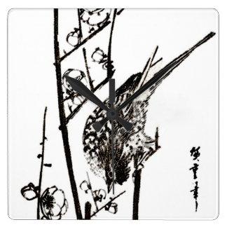 Japansk fågel på en svartvit gren - fyrkantig klocka