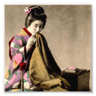 Japansk Geisha för vintage som syr en Kimono Fototryck