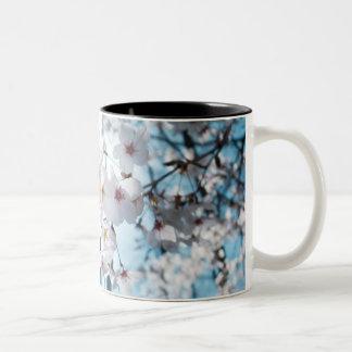Japansk körsbärsröd blommarZen Två-Tonad Mugg