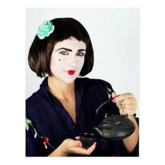 japansk tea för geishaflickaportion vykort