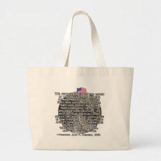 JFK-citationstecknet som överförde människor till Jumbo Tygkasse