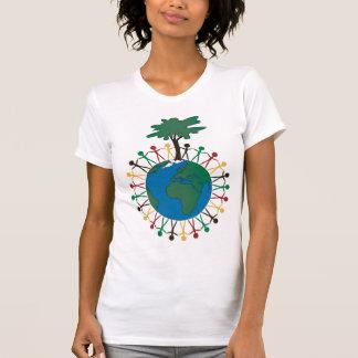 Jorda en kontakt dagen med figurer och träd - tee shirt