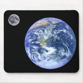 Jorden & månen musmatta