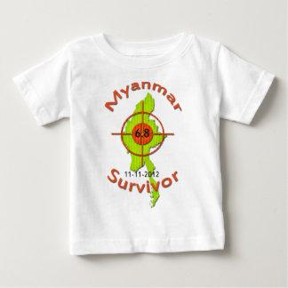 Jordskalv 11-11-2012 för Myanmar överlevande 6,8 T-shirt