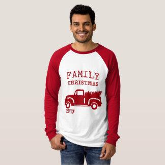 Julen för lantgårdlastbilfamilj med daterar t shirt