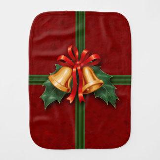 Julen sätta en klocka på, och järneken lämnar rött bebistrasa