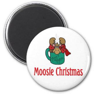 Julgåvor och T-tröja med julälg Magnet Rund 5.7 Cm