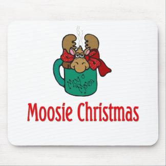 Julgåvor och T-tröja med julälg Musmatta