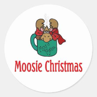 Julgåvor och T-tröja med julälg Runt Klistermärke