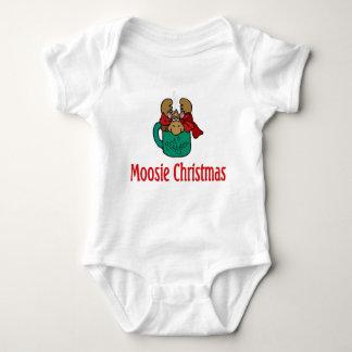 Julgåvor och T-tröja med julälg T Shirts