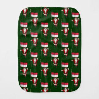 Jultomten med ensignen av Indonesien
