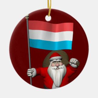 Jultomten med ensignen av Luxembourg Rund Julgransprydnad I Keramik
