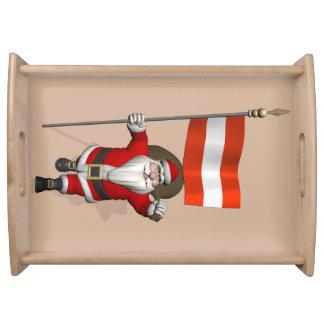 Jultomten med ensignen av Österreich Österrike Serveringsbricka