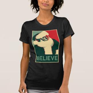 Jultomten tror tee shirts