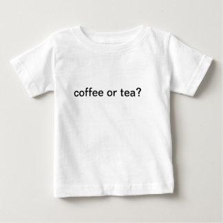 kaffe- eller teaskjorta tröja