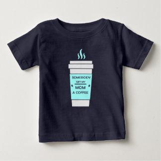 Kaffe för morsa tshirts