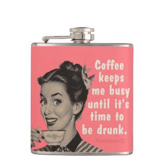 Kaffe håller mig upptagen, tills det är tid att dr