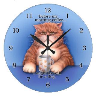 Kaffekatten tar tid på stor klocka