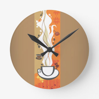 Kaffekoppväggen tar tid på medium rund klocka