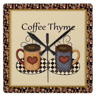 Kaffetimjan tar tid på fyrkantig klocka