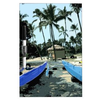 Kajaker på en hawaiansk strand whiteboardtavlor