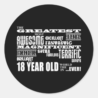 Kall årig födelsedagsfeststörsta 18 för roligt runt klistermärke