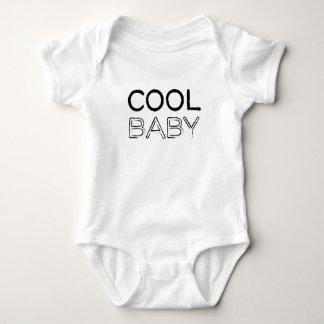 Kall babyGrungelogotyp Tshirts