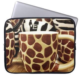 Kall giraffmönster och zebra ränderkaffe koppar laptop datorskydd
