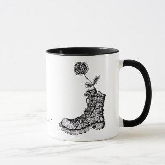 Kall känga med design för blommagrafikmugg mugg