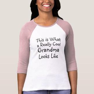 Kall mormor tshirts