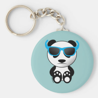 Kall och gullig pandabjörn med solglasögon rund nyckelring