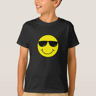 Kall smiley face med solglasögon t-shirts