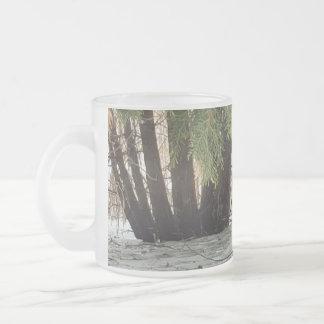kalla träd frostad glas mugg