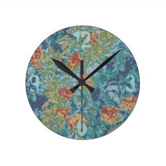 Kamouflage och blommor rund klocka