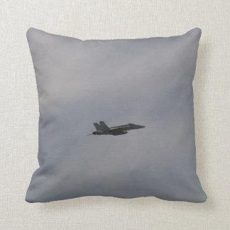 Kämpejet för bålgeting F18 i flyg Kudde