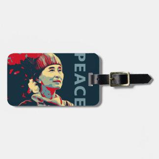 KÄMPEN - Aung San Suu Kyi  Custom bagagemärkre Bagagebricka