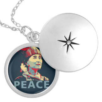 KÄMPEN - Aung San Suu Kyi | pläterad Locket Silverpläterat Halsband