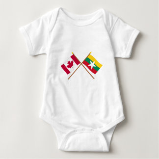 Kanada och Myanmar korsad flaggor T-shirts