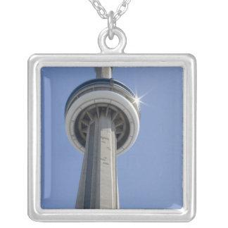 Kanada Ontario, Toronto. Överträffa av CN-torn med Silverpläterat Halsband