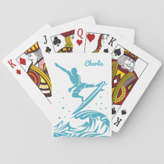 Känd surfare för anpassningsbar som leker kort spel kort