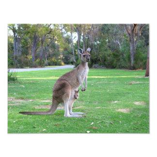 Känguru och känguruunge 10,8 x 14 cm inbjudningskort