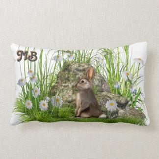 kanin och daisy i långt gräs kudder dämpar lumbarkudde