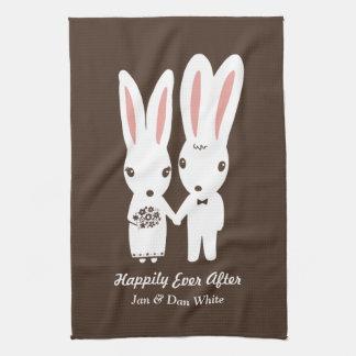 Kaniner som gifta sig bruden och brudgum med kökshandduk